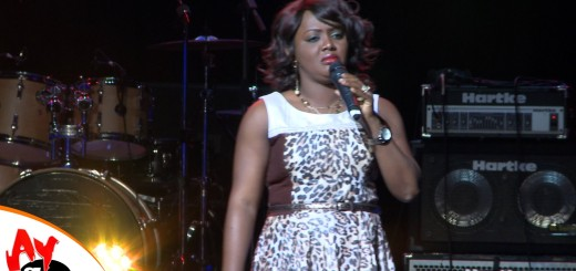 Video (stand up): Helen Paul Thrills Crowd at AY Live in London