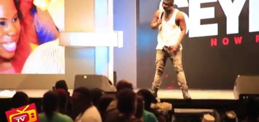 Video (stand-up): Seyi Law Takes Off His Shirt During Funny Performance & more