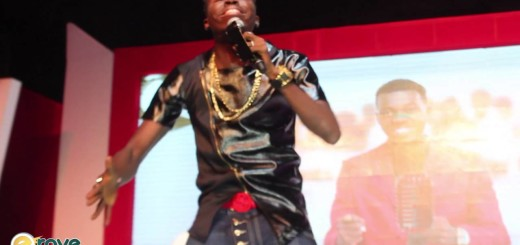 Video (stand-up): Akpororo Talks About People Complaining About Buhari at Kiss Daniel Album Launch