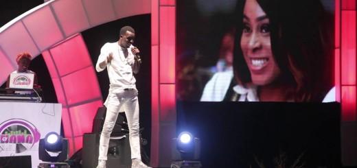 "Video (stand-up): Akpororo Performs at Akpororo vs Akpororo 2016 ""Buhari wan kill us"""