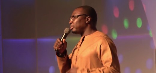 Video (standup): Alibaba, Okey Bakassi and Yaw Make Fun of Each Other on Stage
